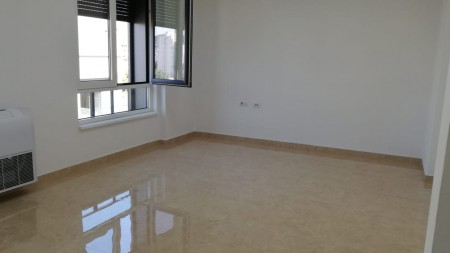 Office - For Rent Rruga Myslym Shyri
