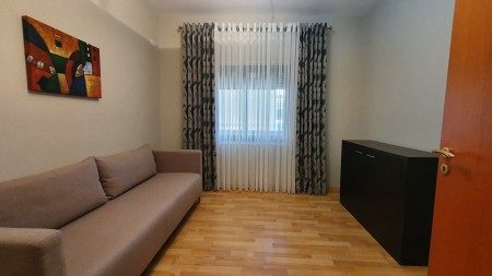 Apartament 2+1 - Qira Rruga e Barrikadave