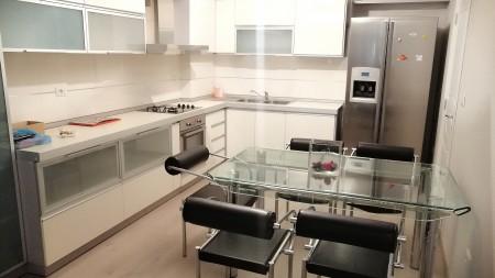 Apartament 3+1 - Qira Rruga Marko Boçari