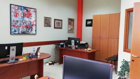 Zyrë - Qira Rruga Myslym Shyri