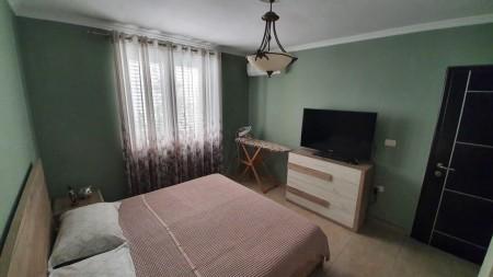 Apartament 4+1 - Shitje Rruga Muhamet Gjollesha