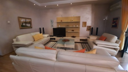 Apartament 3+1 - Qira Sheshi Italia