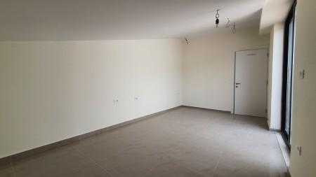 Apartament 3+1 - Shitje Rruga Myslym Keta