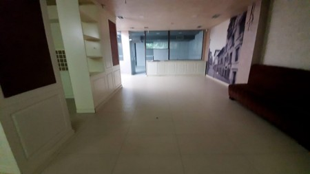 Zyrë - Qira Bulevardi Zhan D'Ark