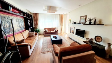 Apartment 2+1 - For sale Rruga Urani Pano