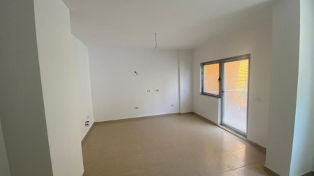 Apartament 1+1 - Qira Rruga Him Kolli