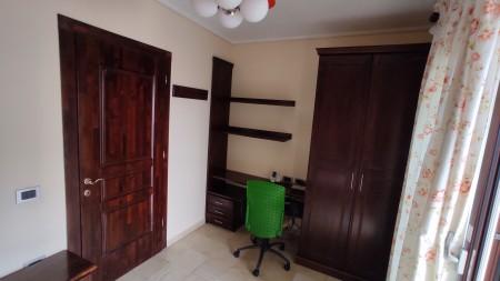 Apartament 3+1 - Qira Rruga Milto Tutulani