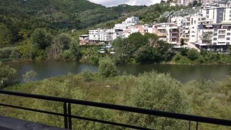 Apartment 3+1 - For sale Rruga Hamdi Garunja