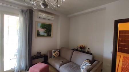 Apartament 3+1 - Shitje Rruga Ali Visha