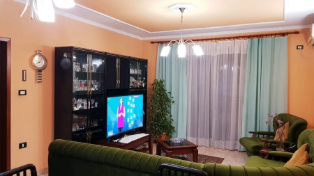 Apartment 3+1 - For sale Rruga Haxhi Kika