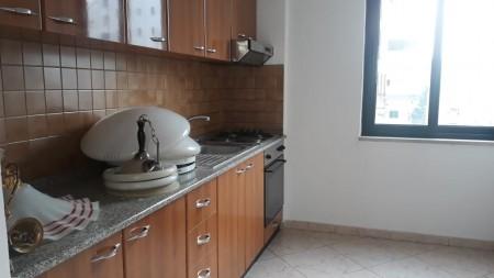 Apartament 3+1 - Qira Rruga Nikolla Tupe