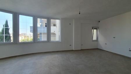 Apartament 3+1 - Shitje Rruga Sotir Caci