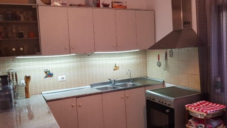 Apartment 3+1 - For sale Rruga Mine Peza