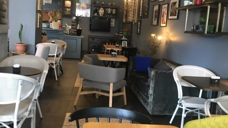 Bar-Restaurant - Shitje Bulevardi Zhan D'Ark