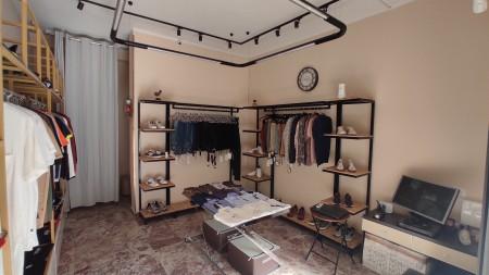 Dyqan - Shitje Rruga Komuna e Parisit
