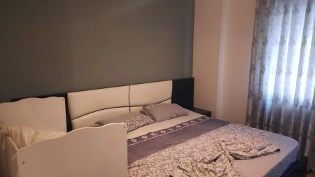 Apartament 2+1 - Qira Rruga Reshit Petrela