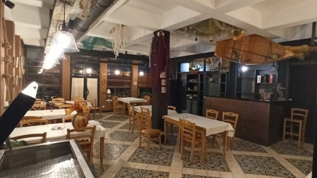 Bar-Restaurant - Qira Rruga Nikolla Jorga