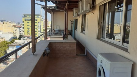 Apartament 3+1 - Qira Rruga Perlat Rexhepi