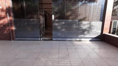 Dyqan - Qira Rruga Muhamet Deliu