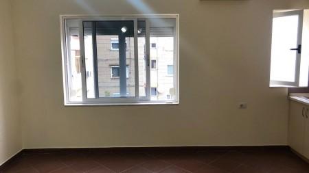 Apartament 1+1 - Shitje Rruga Ali Demi