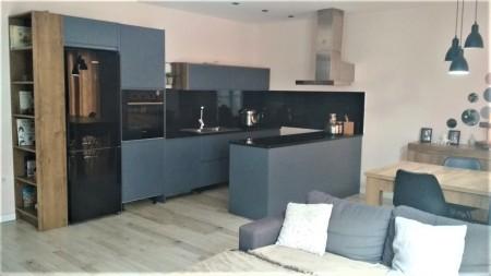 Apartament 3+1 - Qira Rruga Zihni Sako