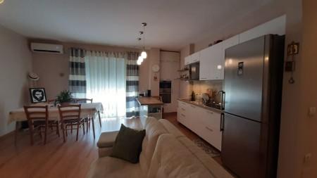 Apartament 2+1 - Shitje Rruga Sotir Caci