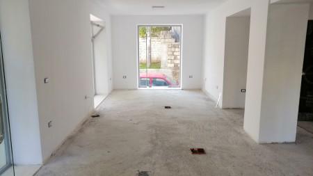 Apartament - Qira Rruga Shyqyri Ishmi