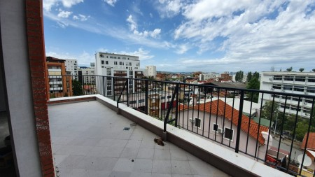Apartment 3+1 - For sale Rruga Frosina Plaku