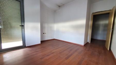 Apartment 3+1 - For sale Rruga Liqeni i Thate