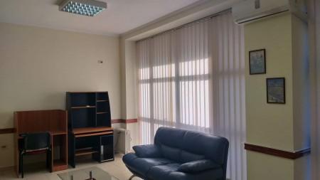 Zyrë - Qira Rruga Arkitekt Kasemi