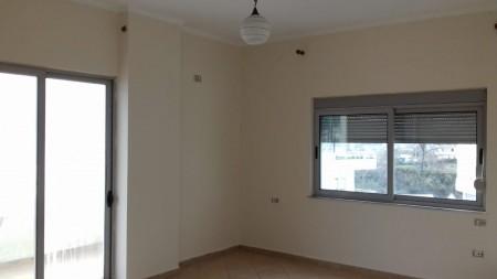 Apartment 3+1 - For sale Rruga Sotir Caci