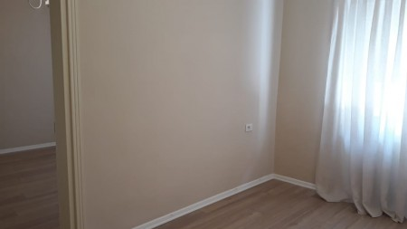 Apartament 3+1 - Qira Rruga Mine Peza