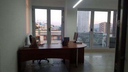 Zyrë - Qira Rruga e Barrikadave