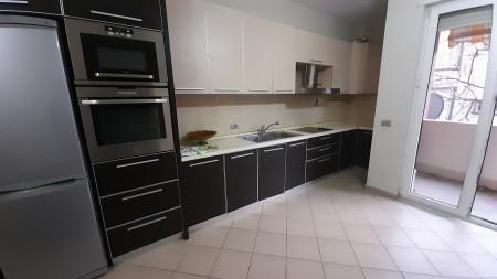 Apartment 2+1 - For sale Rruga Pjeter Budi