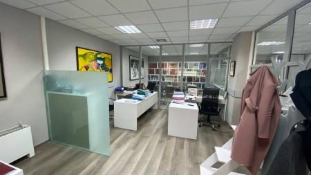 Zyrë - Qira Shëtitorja Murat Toptani
