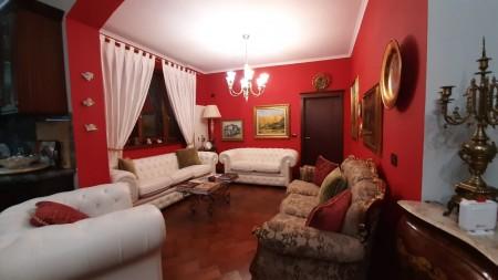 Apartment 4+1 - For sale Rruga Shefqet Kuka