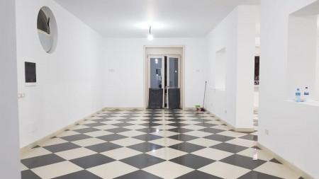Zyrë - Qira Blloku