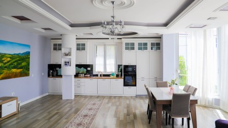Villa - For Rent Rruga Myslym Keta