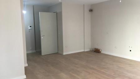 Apartament 2+1 - Shitje Rruga Muhamet Gjollesha