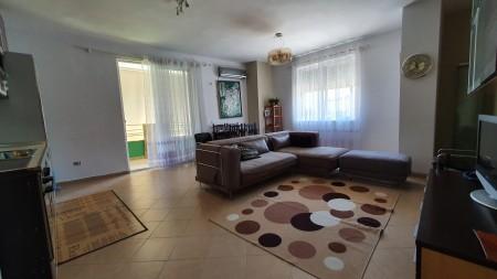 Apartament 3+1 - Shitje Rruga Anton Pashku