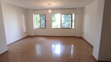 Apartament 1+1 - Shitje Rruga 3 Deshmoret