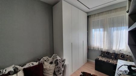 Apartment 2+1 - For sale Rruga Haxhi Kika