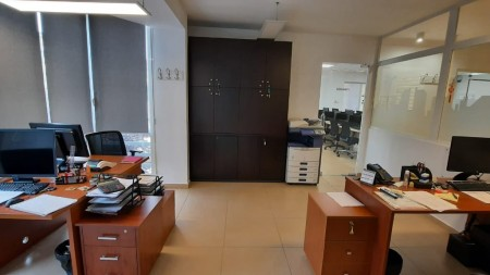 Office - For sale Rruga Petro Nini Luarasi