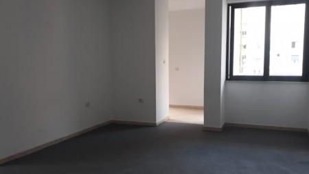 Apartment 3+1 - For Rent Rruga Nikolla Tupe