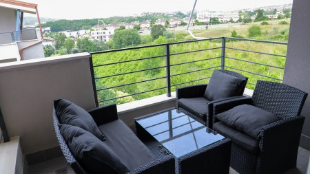 Apartament 3+1 - Qira Rruga Vilave