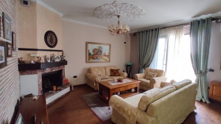 Penthouse - Qira Kavaja Street