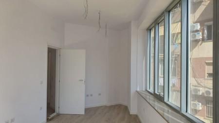 Zyrë - Qira Rruga Komuna e Parisit