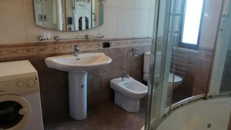 Apartament 3+1 - Qira Rruga Ibrahim Rugova