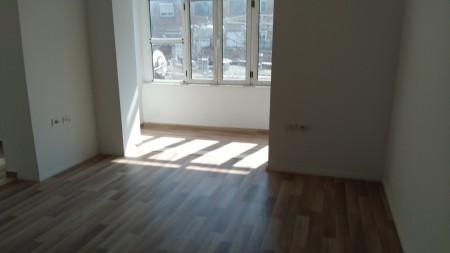 Apartament 1+1 - Shitje Rruga Asim Vokshi