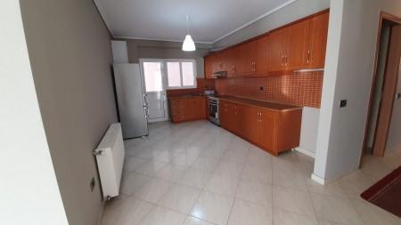 Apartament 3+1 - Qira Rruga 3 Vëllezërit Kondi